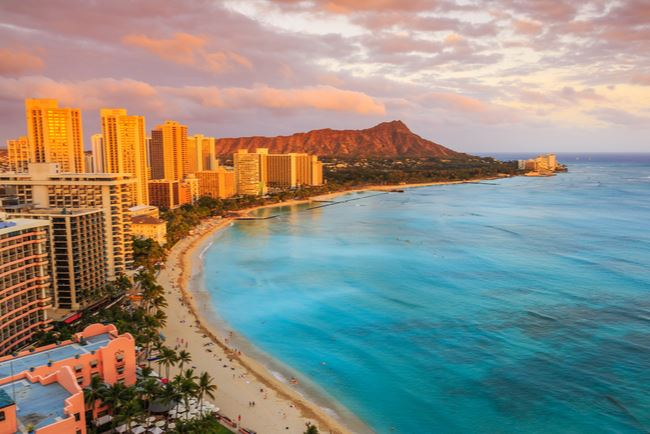 Hawaii Delays Plan to Reopen Tourism