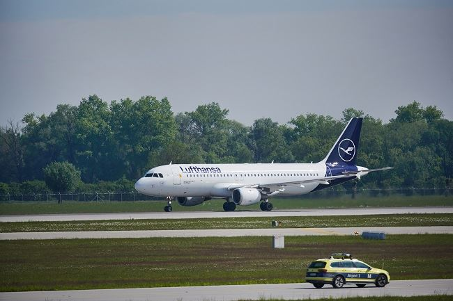Lufthansa Will Offer COVID-19 Tests to Customers at Frankfurt and Munich Airports
